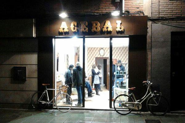 Barber as con encanto el portal para los hombres con estilo - Calle manso barcelona ...